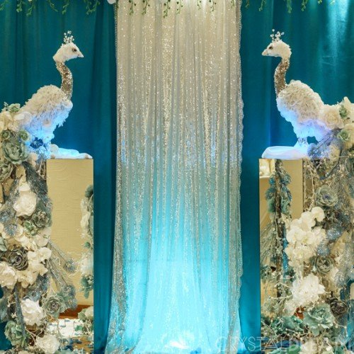 Бирюзовая свадьба с павлинами